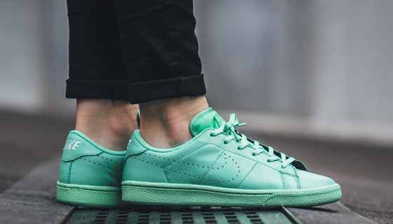 "Nike Tennis Classic Premium ""Green Glow"""