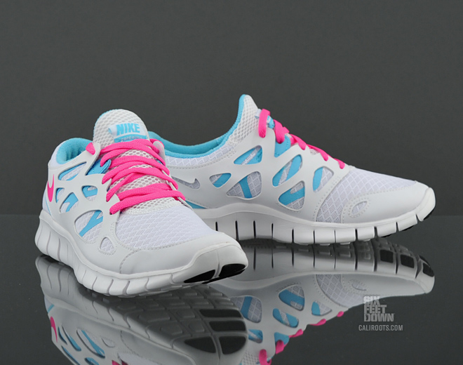 nike wmns nike free run 2 white pink pool blue sneakers. Black Bedroom Furniture Sets. Home Design Ideas