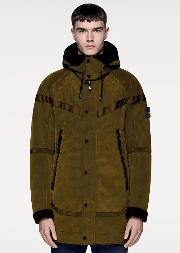 nikelab-x-stone-island-the-windrunner-new-wool-11