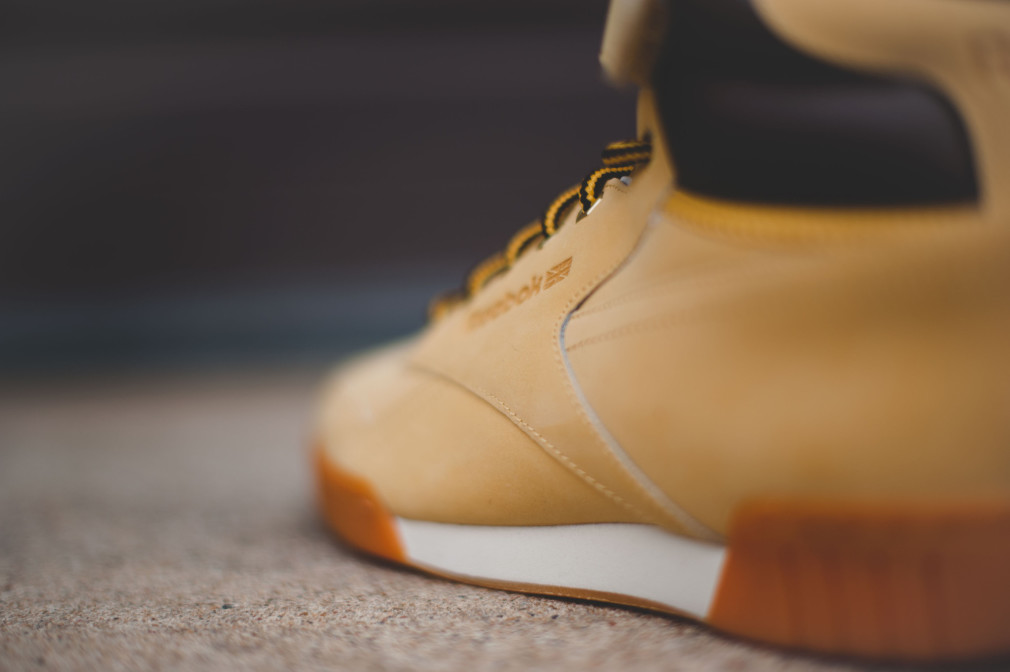 Reebok Exofit Plus Hi WP (Wheat/Dark Brown)