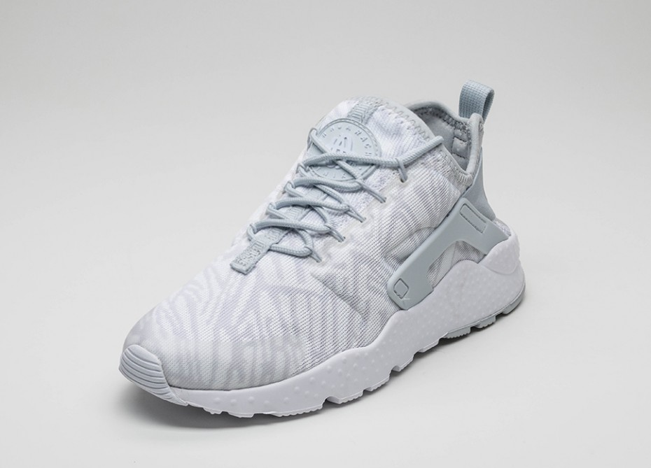 xnike-wmns-air-huarache-run-ultra-kjcrd-white-metallic-silver-2